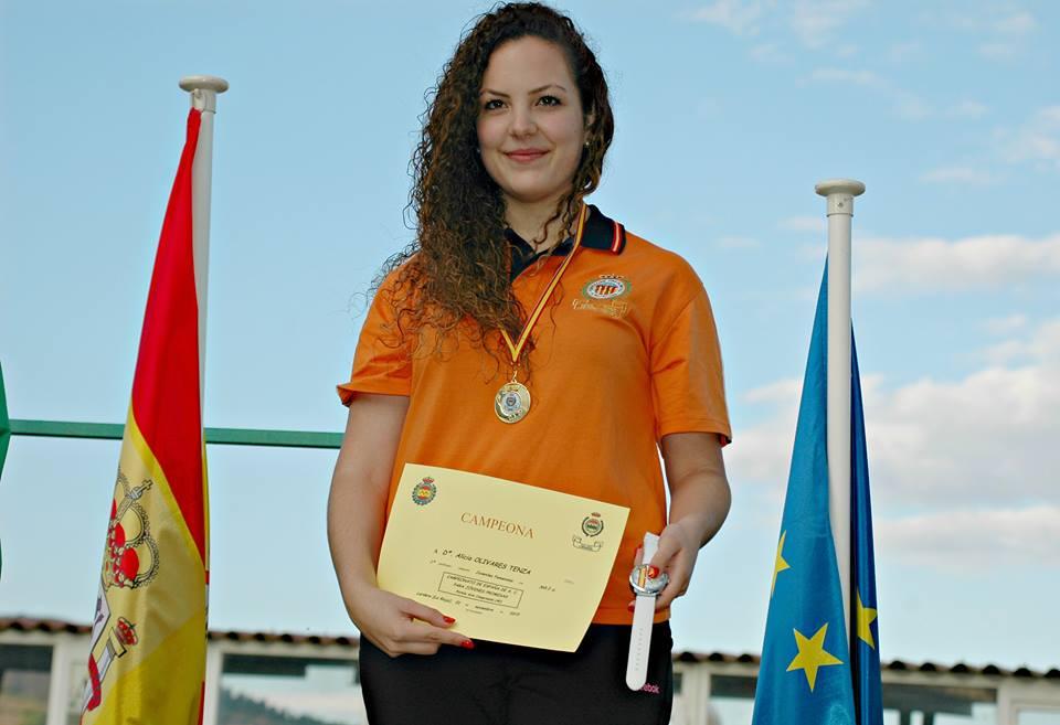Alicia Olivares Tenza, oro y bronce en el Campeonato de España de jóvenes promesas de Tiro Olímpico