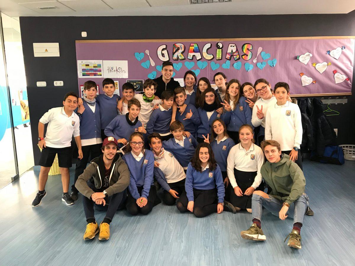 Gancedo, Chemita y Burón (CDE) visitan a los alumnos de seis clases de la Sagrada Familia